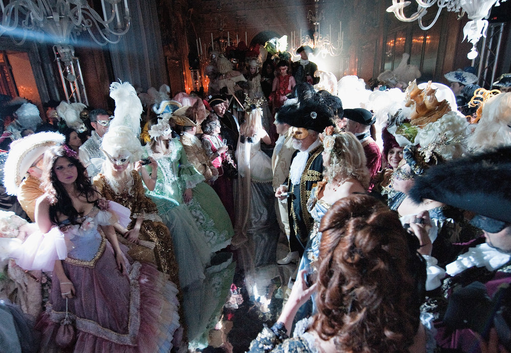 VENICE, ITALY - MARCH 05:  A general view of guests at Palazzo Pisani Moretta during the annual Ballo del Doge on March 5, 2011 in Venice, Italy. The Ballo del Doge, created by fashion and costume designer Antonia Sautter, is considered the most elegant and exclusive masquerade ball during the Venice Carnival.