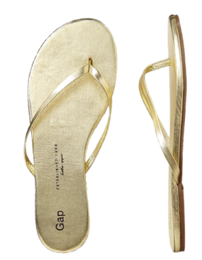You can never go wrong with a classic gold, skinny flip flop; the metallic tone goes from day to night effortlessly and gives you a chic look even with shorts & a tee.