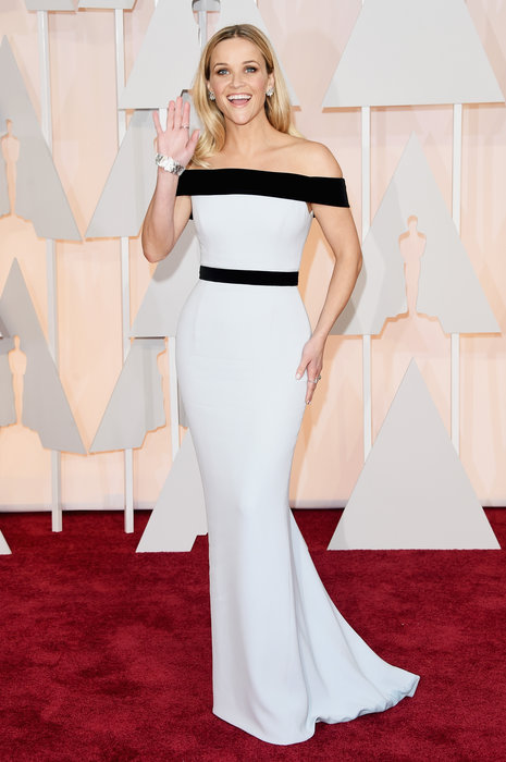 Who doesn't love Reese Witherspoon? Her style is almost always on point and I love the simple black & white. The black band at the waist creates a figure-flattering effect and breaks up the all-white dress that could otherwise be non slimming.