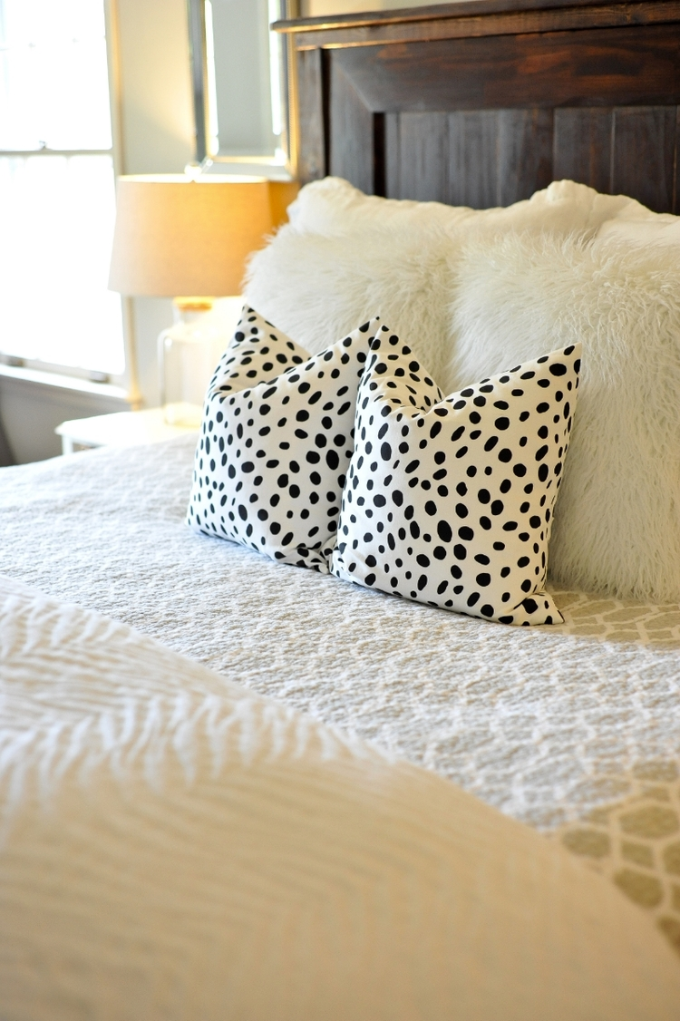My Favorite Etsy Pillow Vendors — Lifestyled | Atlanta