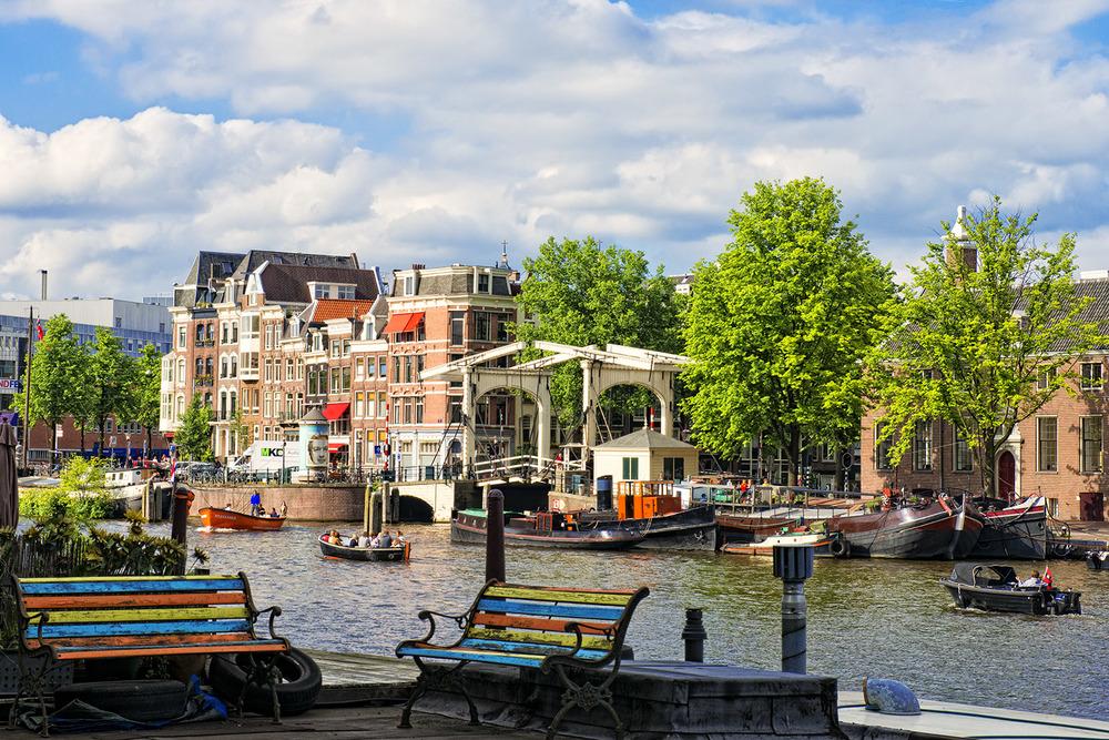 Amsterdam-Spring-2012-32-Amstel-Nieuwe-Herengracht.jpg