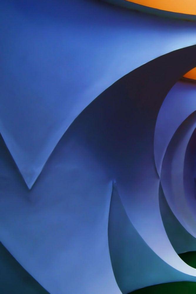 laura_thompson_curves_web02.jpg