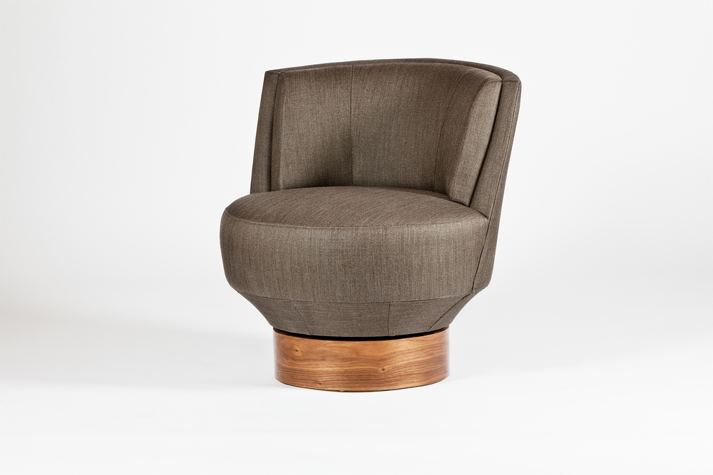 Designed to accentuate and create a visual impact on any sitting area, the sleek look of this petite swivel chair evokes the feeling of elegance and comfort.