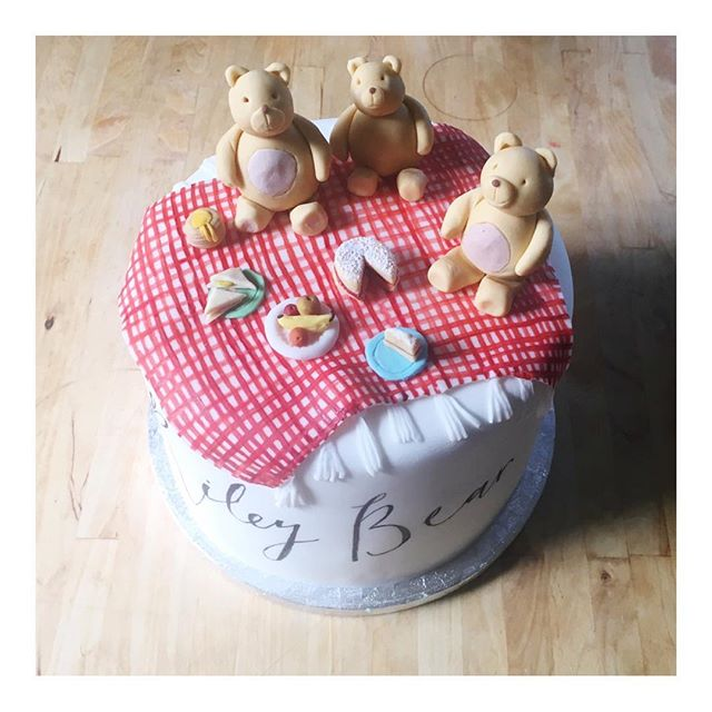 A teddy bears picnic for Godson Riley Bear Graham 🐻 inspired by my favourite birthday cake as a child! 🎂 . . . . #weddingcake #cakedesign #cakedesigner #cakeart #cakeartist #cakespiration #cakestagram #cakecakecake #cakesofinstagram #paintedcake  #fineartwedding  #pursuepretty #mimolocakes #mimolodesign #persuepretty  #stylemepretty #seekinspirecreate #dsfloral  #cakestagram #childrenscakes #christeningcake #teddybearcake #partycake #christening