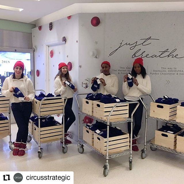 Tis the season for giving. ❤ Spreading warmth and positivity during the morning commute 🔥#Repost @circusstrategic • • • Who doesn't love a little pick-me-up on their morning commute? We were at @hbcentre_to this morning, giving away some super cute mittens for the holidays! Stay warm!  #HBCJustBreathe #clientlove #holidaycheer #mittens #Toronto #giving
