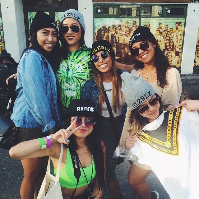 Just hooked these ladies up with the goods!! You still got a coupla hours to find us 👀 #HLZxOMF #HLZBLZ #OMF14