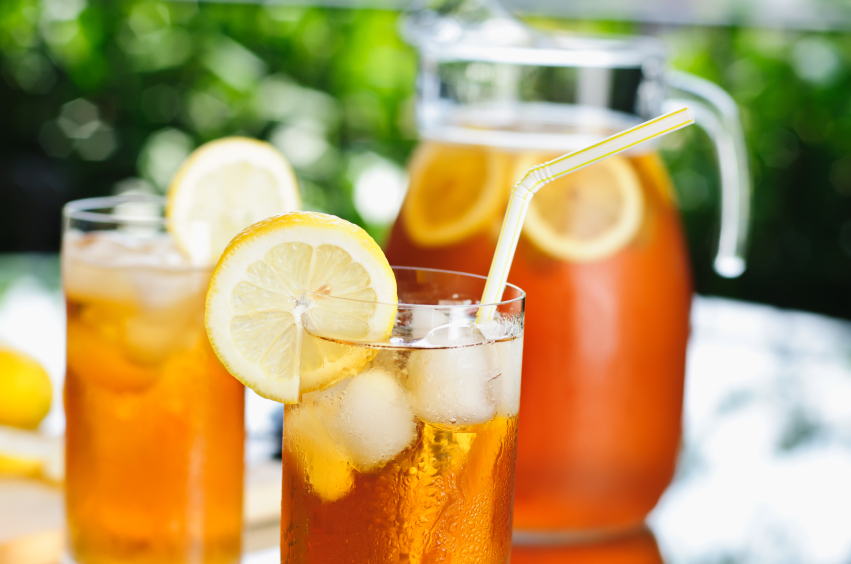 Ginger Ice Tea: Cold, tropical drinks without alcohol can be one of the best ways to rehydrate and stay cool.