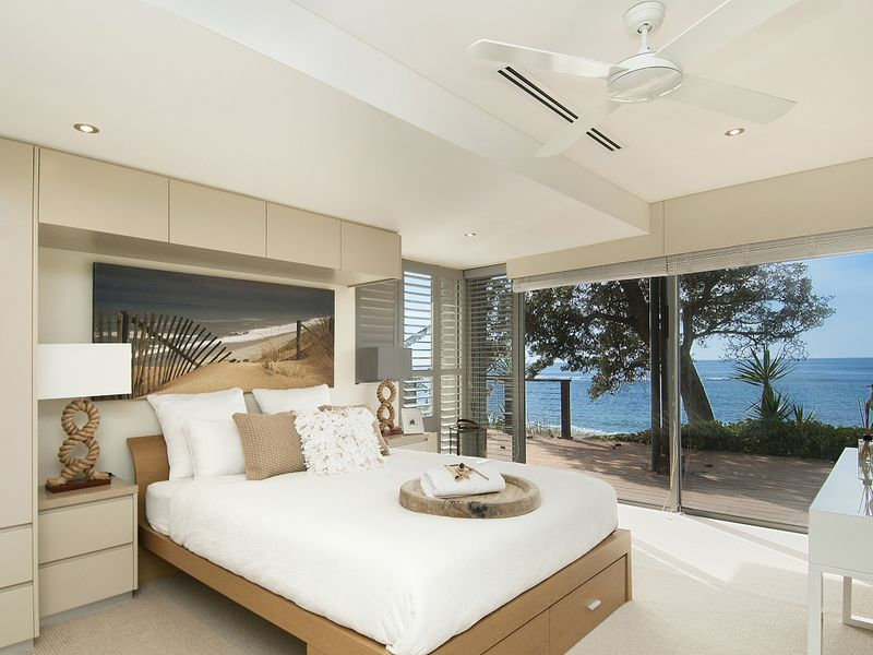 Beach styled bedrooms with nice sandy colours.