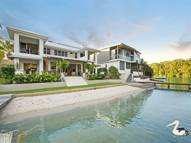 The water frontage of this rental in Noosa. Click image for further details.