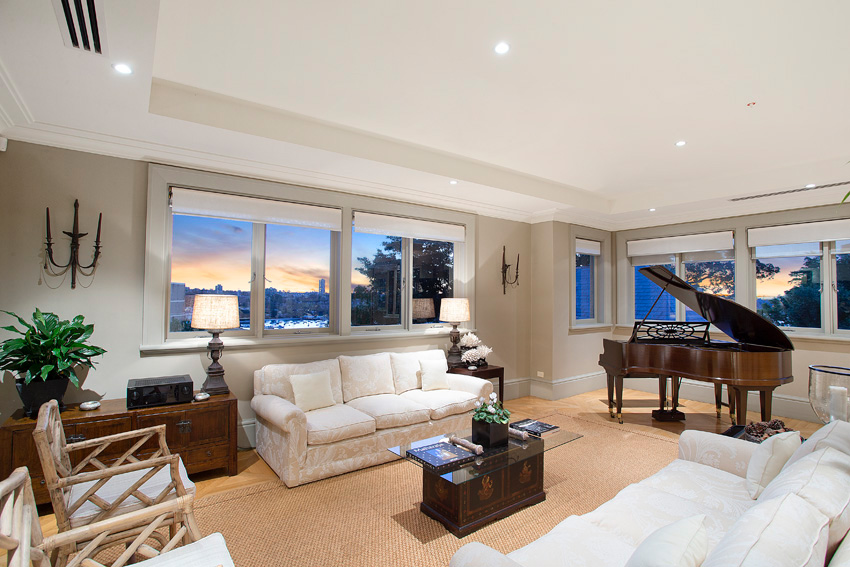 The comfortable and luxury living room, with panoramic views.