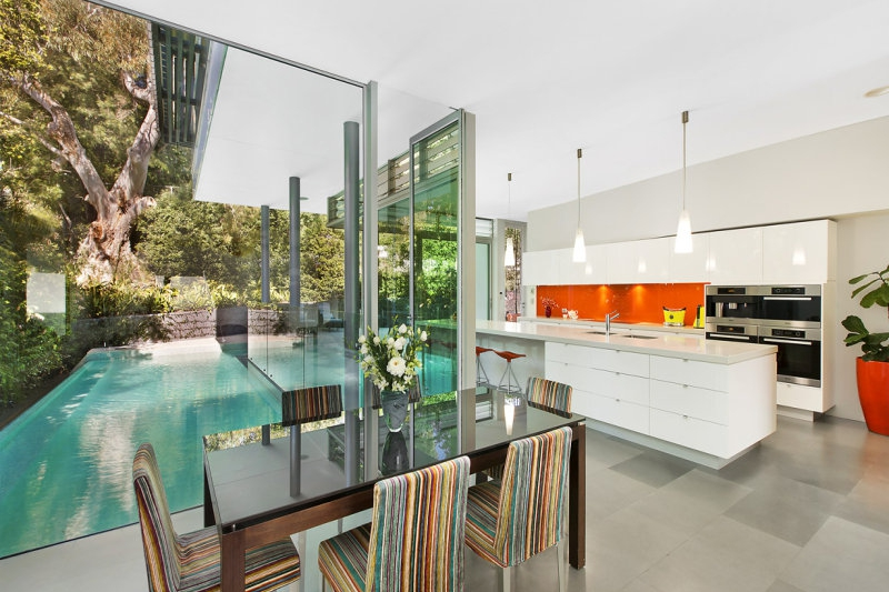 The interior design has been heavily focused on exposure with glass panelling prevalent.
