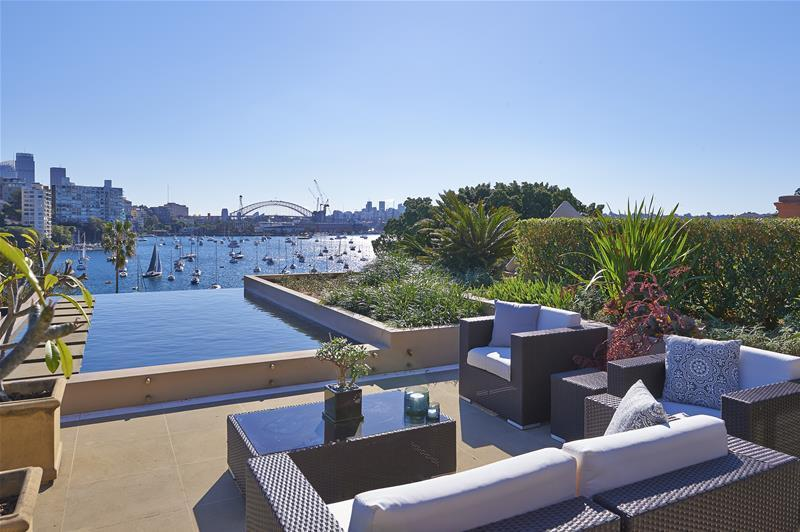 The views from 4/47 New Beach Road, Darling Point