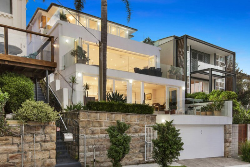 The street frontage of 14 Wolaroi Crescent, Tamarama.