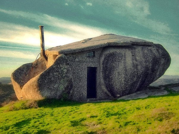 Located inFafe mountains, Portugal this home has been structured off the natural rock formation.