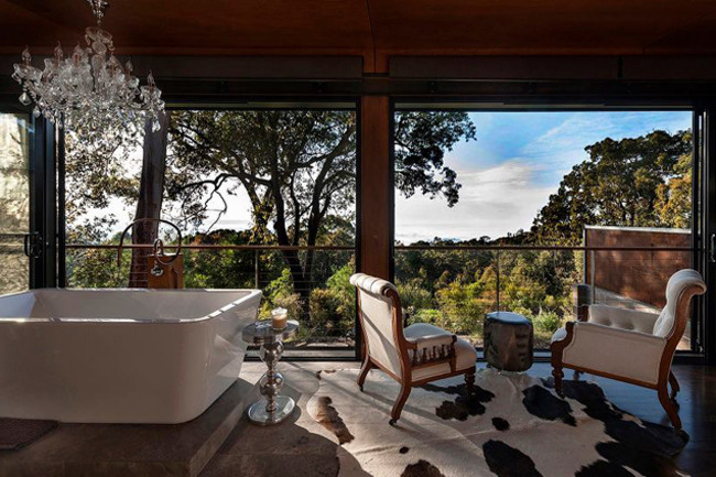 Luxury inside the Blue Mountains, a great way to let some fresh air in, don't have windows.