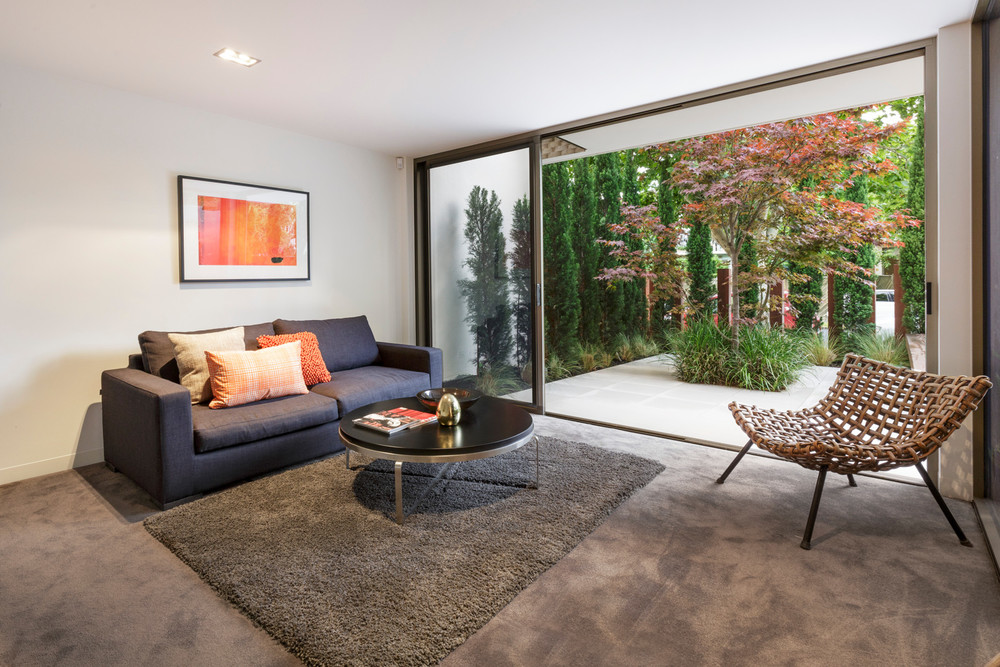 Integrating indoor and outdoor living.