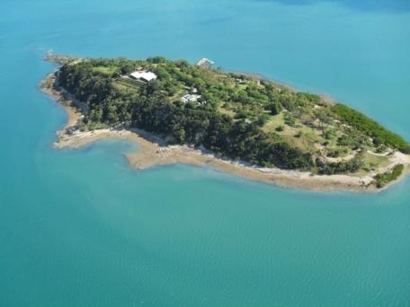 The island that Julia Roberts so desperately wanted, is now for sale.