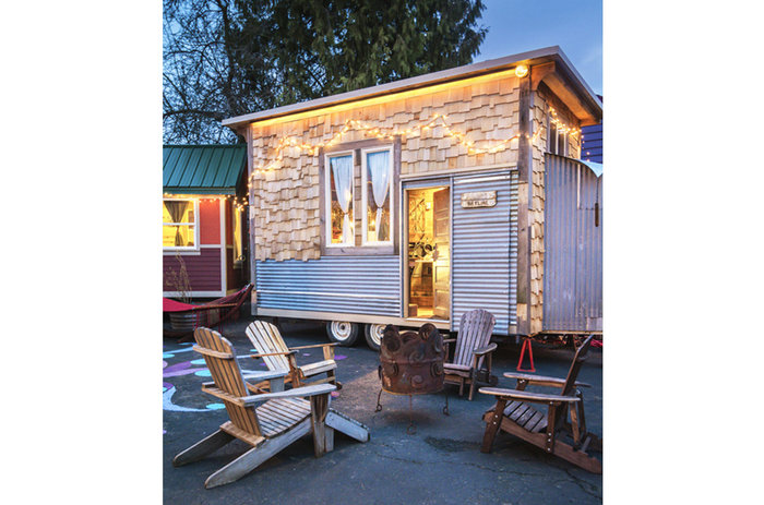 rsz_one-of-six-tiny-houses-each-built-on-wheels-and-outfitted-with-a-bathroom-kitchen-and-sleeping-loft-at-caravan-the-tiny-house-hotel-in-portland-oregon-the-skyline-cabin-is-one-of-the-newest-additions-to-the-hotel125-dollar-night_1.jpg