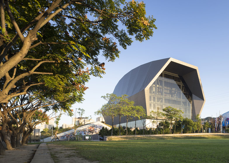 Zhonghe-Sports-Center-by-Q-Lab-Design_dezeen_784_16.jpg
