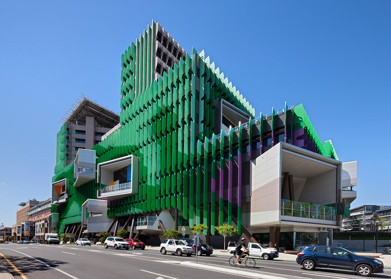 Lady-Cilento-Childrens-Hospital-by-Lyons_dezeen_784_9.jpg