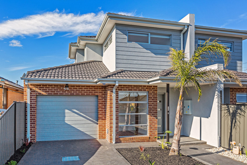 2/128 Chambers Road, Altona North