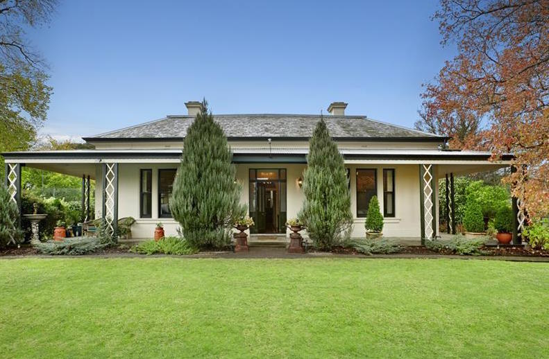 3 Burr Hill Court, Berwick, VIC