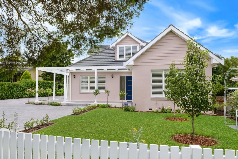 10 Annesley Avenue, Bowral, NSW.