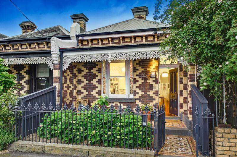 For rent: 7 Rowe Street, Fitzroy North, VIC.