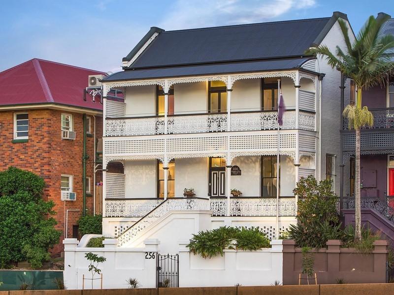 For sale: 256 Petrie Terrace, Petrie Terrace, QLD.