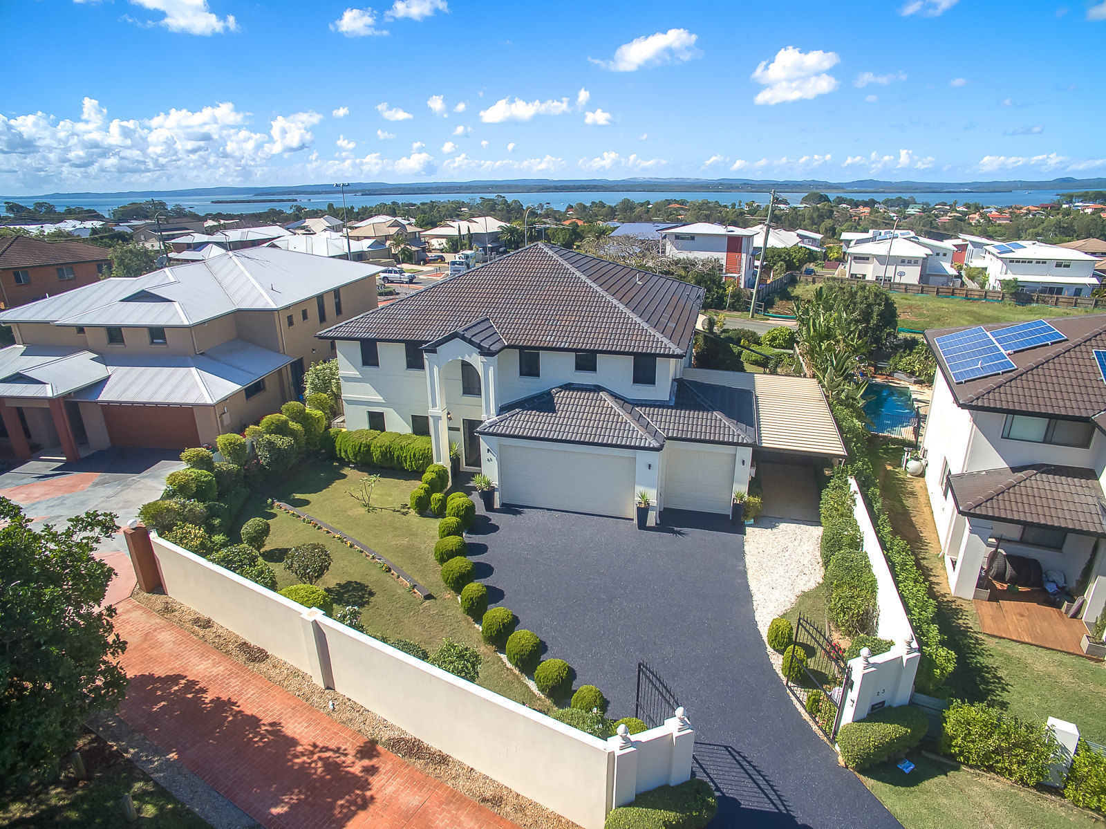 For sale: 23 Lindeman Place, Redland Bay, QLD