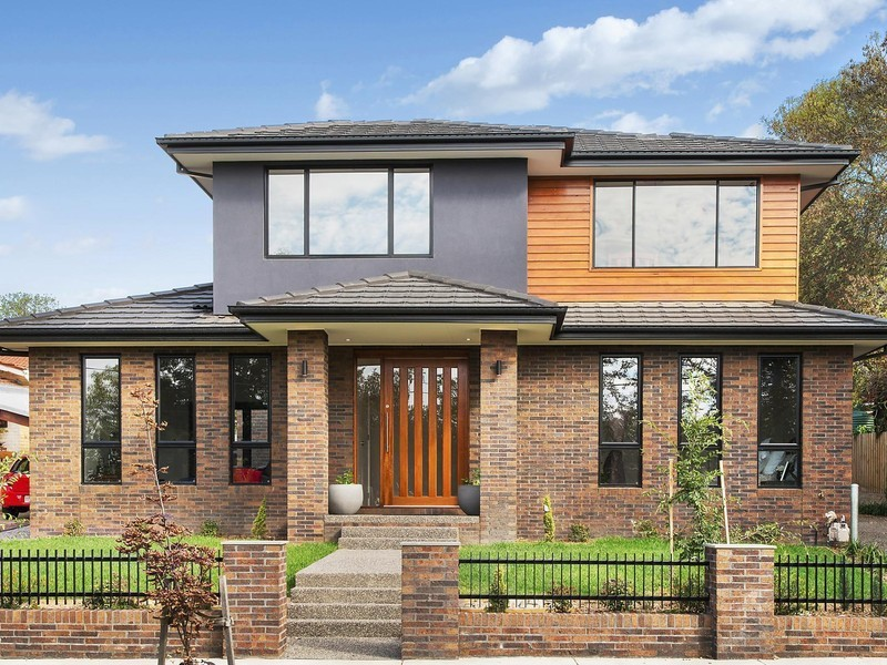 For sale:  1/24 Illuka Crescet, Mount Waverley, VIC