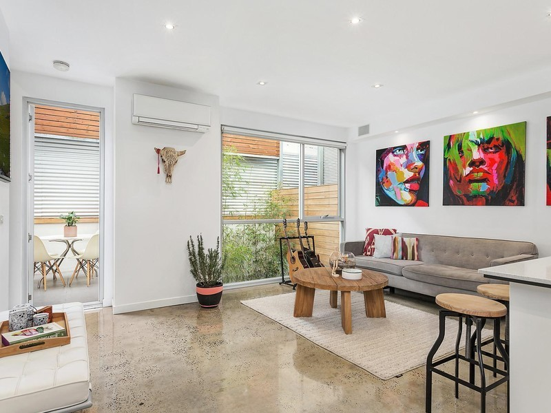 For sale: 7/104 Barkly Street, St Kilda, VIC