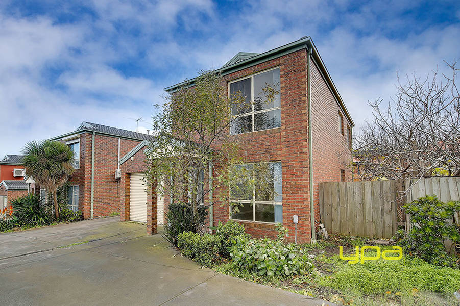 For sale: 1/83 Rokewood Crescent, Meadow Heights, VIC