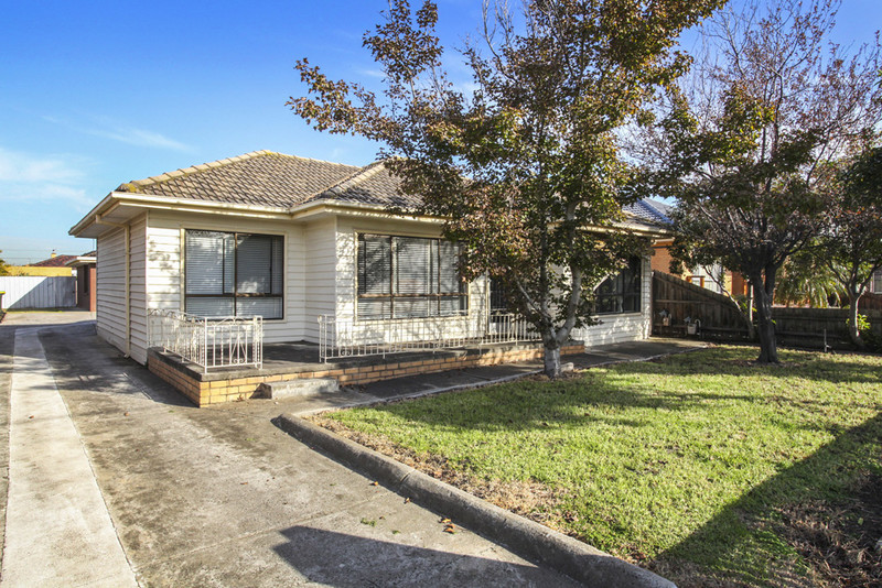 For sale: 1/19 Murray Street, Sunshine West, VIC