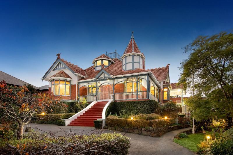 For sale: 215 Clarke Street, Northcote, VIC