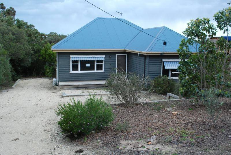 For sale:  4 White Crescent, Loch Sport, VIC