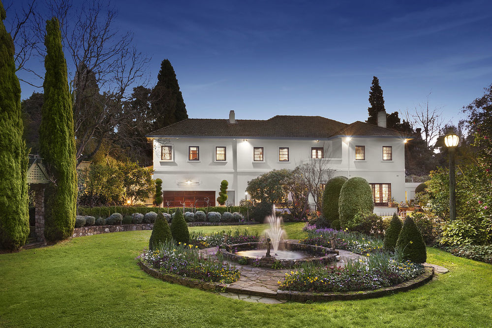 For sale: 65 Hopetoun Road, Toorak, VIC