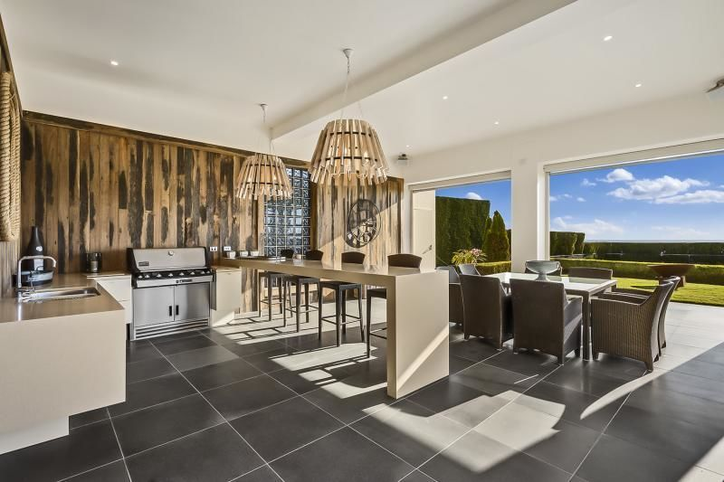 For sale:  19 Watts Parade, Mount Eliza, VIC