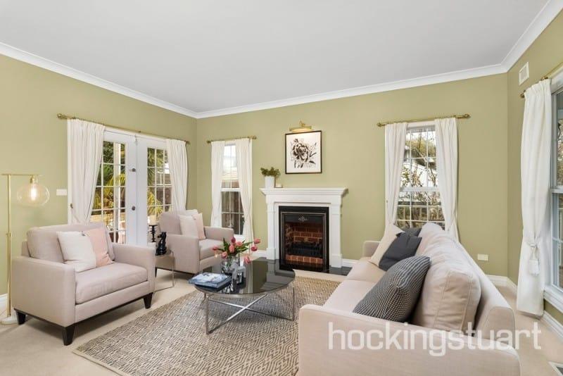 For sale: 8 Watkins Grove, Werribee, VIC