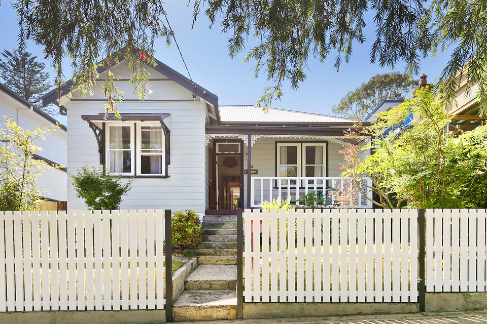 For sale: 10 Daintrey Street, Fairlight, NSW