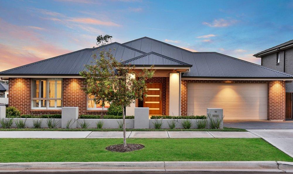 For sale: 10 Fairbank Drive, Gledswood Hills, NSW
