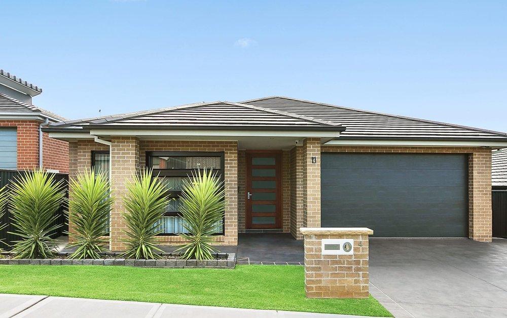 For sale: 4 McMaster Avenue, Middleton Grange, NSW