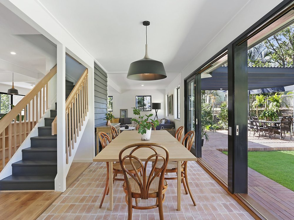 For sale:  2 Mitchell Court, Mount Ommaney, QLD