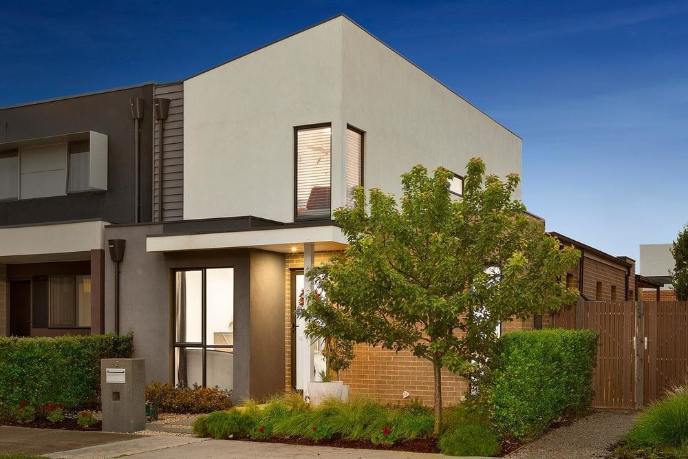 For sale: 12 Beaurepaire Parade, Footscray, VIC
