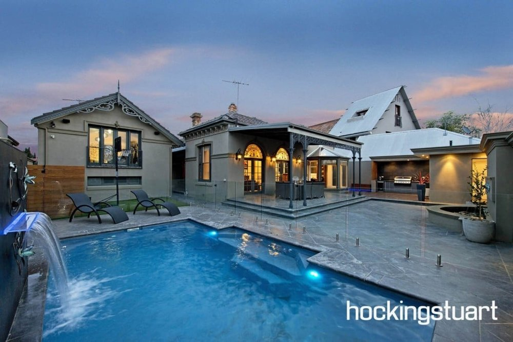 For sale: 815 Heidelburg Road, Alphington, VIC - This cosy granny flat provides a handy fourth bedroom or rumpus space to this property.
