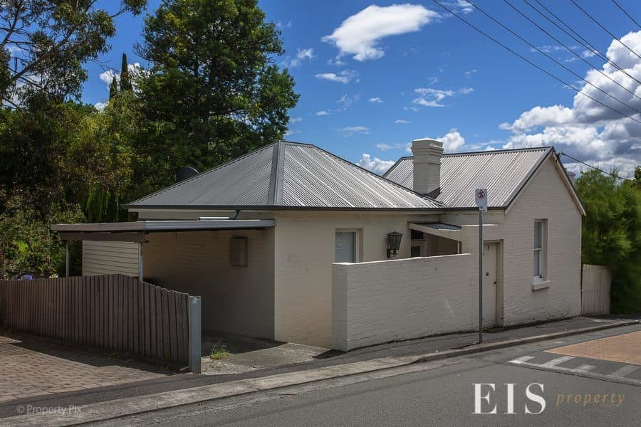 For rent: 3 Lipscombe Avenue, Sandy Bay, TAS