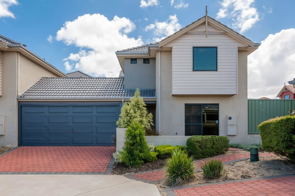 For sale: 46 Hollins Bend, Madeley, WA