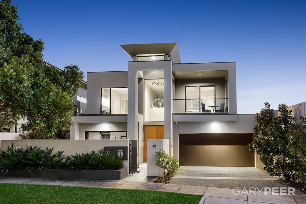 For sale: 14 Avoca Grove, Caulfield North, VIC