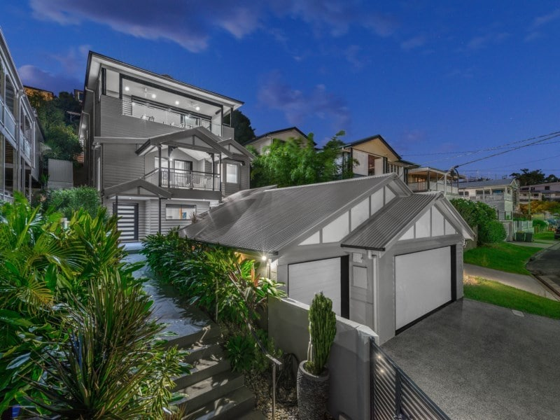 For sale: 21 Ryan Avenue, Balmoral, QLD