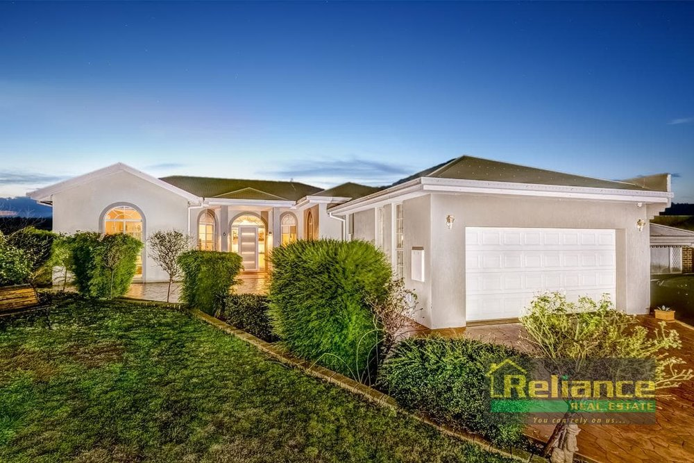 For sale: 6 Nowie Close, Kurunjang, VIC